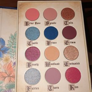 Story book cosmetics palette